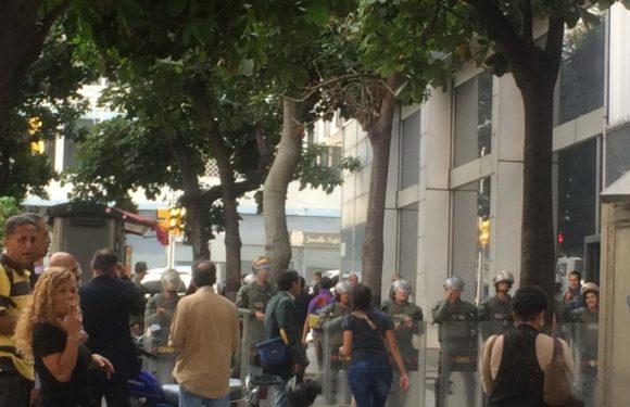 ¿Bomba en la AN? GN y Sebin tomaron el Palacio Federal Legislativo e impidieron entrada a diputados