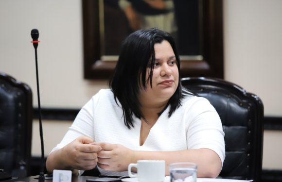 Dictaminan proyecto que busca alternancia temporal y paridad de género en sindicatos