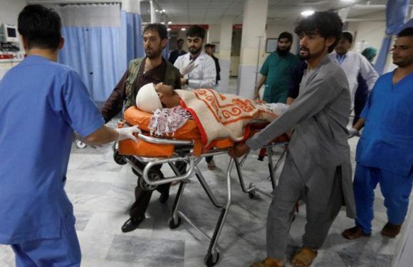 Autobús choca contra bomba y deja 28 muertos en Afganistán