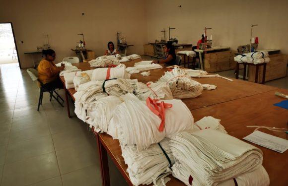 Privadas de libertad fabrican por semana 4.000 mantillas para instrumental quirúrgico de la CCSS