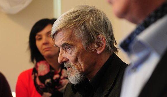 Rusia condena por abusos a una menor a un reputado historiador que documentó crímenes estalinistas