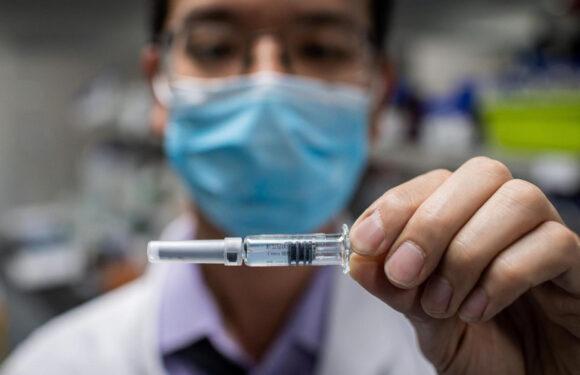 EEUU espera iniciar la vacunación contra el coronavirus el 11 de diciembre